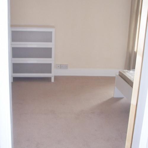 large bedroom1 (2) (Medium)